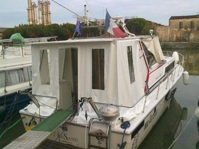 bateau cabine bachée